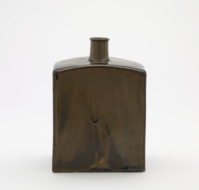 Flat-sided sake flask