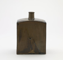 Flat-sided sake flask