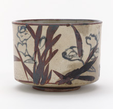 Tea bowl with inscription and design of narcissus